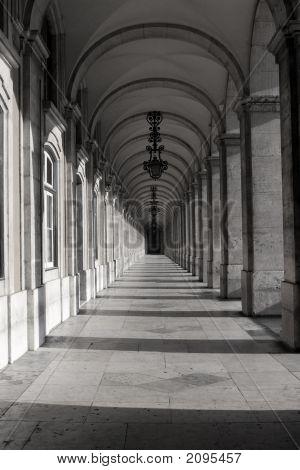 Pillars 2 Bw
