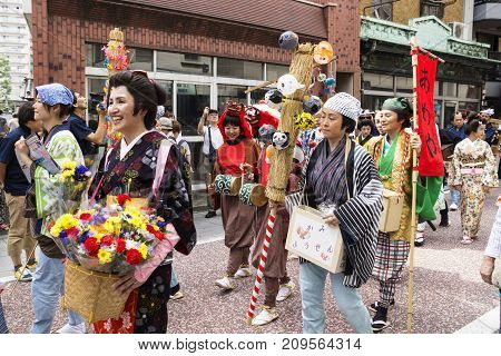 Tokyo, Japan - September 24 2017: Different People With Edo Costumes And Givaways At The Parade Of S