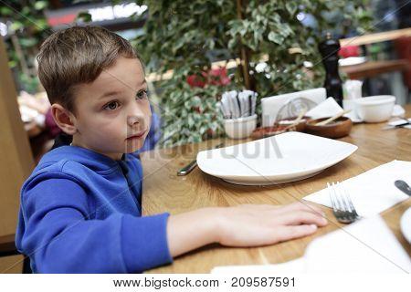 Child Waiting Dish