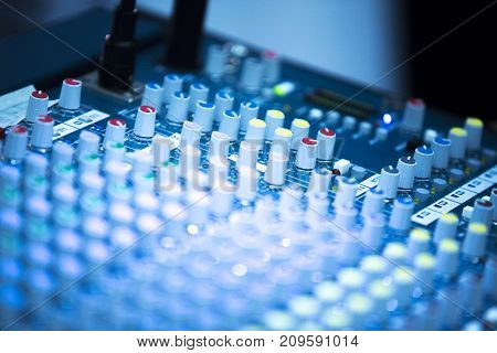 Deejay Live Music Mixing Desk
