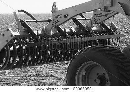 Details Of The Combine Harvester In The Field.