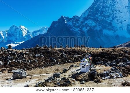 Snowy mountains of the Himalayas on the everest base camp trek