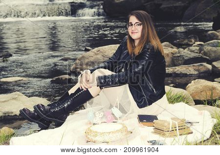 Girl Prom Water Cake Glasses Waterfall Decoration