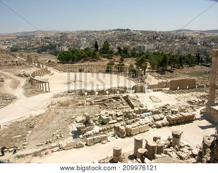 view on the Ruins of the old city of Jerash in Jordan