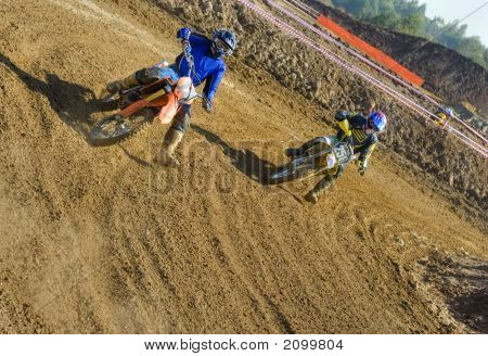 Two Riders Turning To Finish