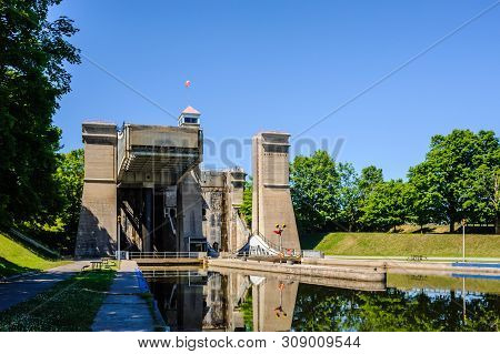 Peterborough, Canada - June 21, 2018: The Peterborough Lift Lock Was Once The Highest Hydraulic Boat