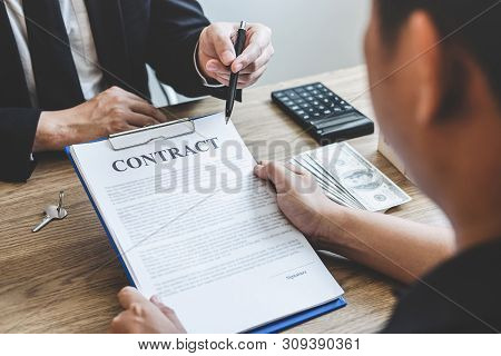 Estate Agent Broker Reach Contract Form To Client Signing Agreement Contract Real Estate With Approv