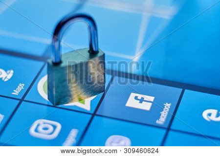 The Concept Of Protecting Personal Data In The Social Network Facebook. Security Social Networks. Ch