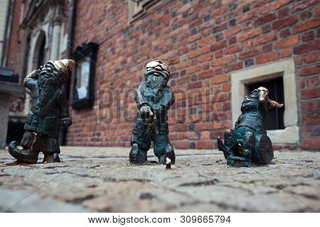 Wroclaw, Poland - 16 August, 2015. Sculpture Of Gnome From Fairy-tale, First Appeared In The Streets
