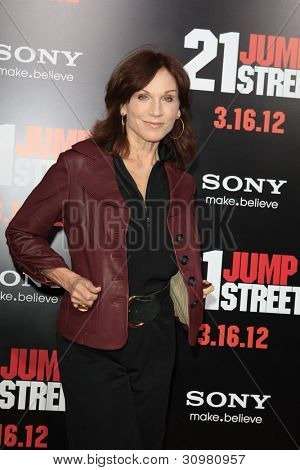 LOS ANGELES - MAR 13:  Marilu Henner arrives at the