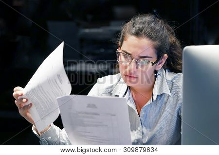 Office Worker Woman Reading Negative News In Letter. Shocked Beauty Girl Business Manager Received L