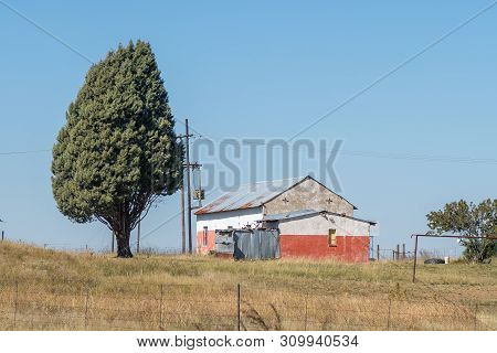 Warden, South Africa - May 1, 2019: A Building On A Farm Between Warden And Vrede In The Free State