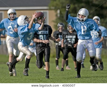 Youth Football Pass