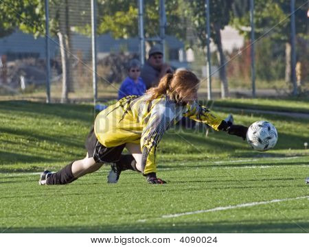 Girls Hs Soccer Goalie/Keeper Save