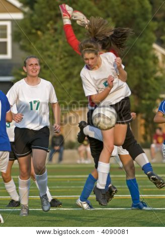 Girls Hs Varsity Soccer Action