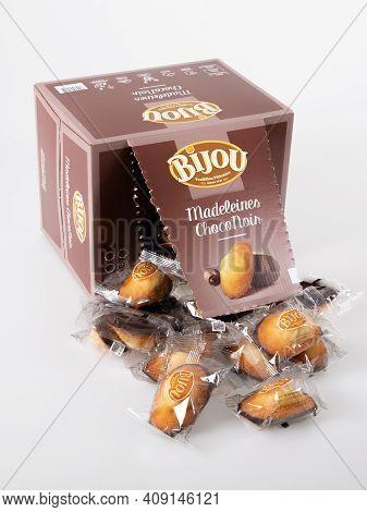 Bordeaux , Aquitaine France - 02 16 2021 : Bijou Logo Sign And Brand Text On Bar Chocolate Madeleine
