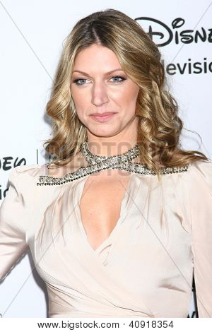 LOS ANGELES - JAN 10:  Jes Macallan attends the ABC TCA Winter 2013 Party at Langham Huntington Hotel on January 10, 2013 in Pasadena, CA