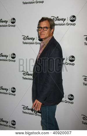 LOS ANGELES - JAN 10:  Henry Czerny attends the ABC TCA Winter 2013 Party at Langham Huntington Hotel on January 10, 2013 in Pasadena, CA