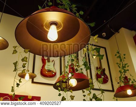 Decorative Hanging Metal Lamp Shade Fixtures Painted In Bright Red Color