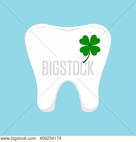 Lucky Tooth With Clover Icon Isolated. Dental Molar Tooth Sign With Four Leaves Clover - Ggod Luck S