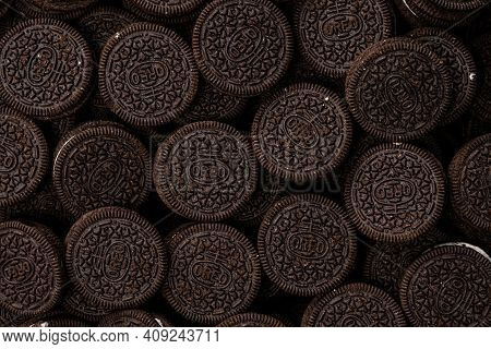 Hartford Connecticut, Usa - December 15, 2020: Nabisco Oreo Cookies Laying Flat