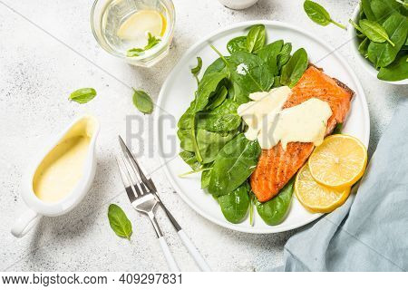 Salmon Fillet With Fresh Salad And Yogurt Dressing. Healthy Food, Keto Diet. Healthy Lunch Or Dinner