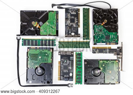 Old Computer Data Storage Devices - Dynamic Random Access Memory Modules, Hard Disk Drives, Controll