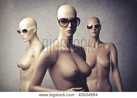Three female dummy with sunglasses