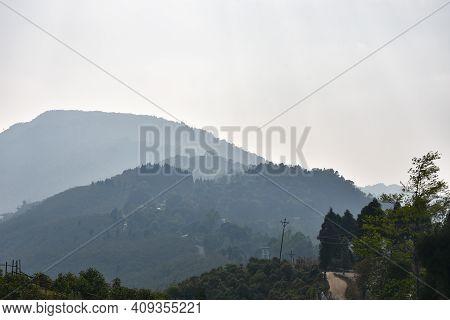 Beautiful And Scintillating Ridges Of Himalayan Mountain In Darjeeling