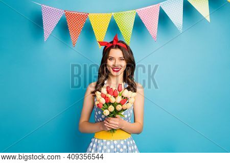 Portrait Of Her She Nice Attractive Lovely Pretty Cute Gorgeous Glamorous Cheerful Cheery Girl Holdi