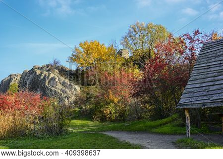A Granite Canyon In The Bed Of The Mertvovod River In The Village Of Aktove, Ukraine. Colorful Leave