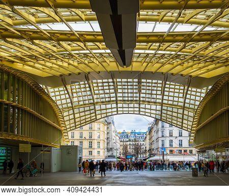 Paris, France, Fev 2020, View Of The Westfield Forum Des Halles At Street Level