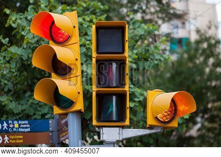 Picture Of A Traffic Light In Barcelona, Spain