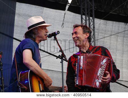 Wolfgang Niedecken Performs With Hubert Von Goisern