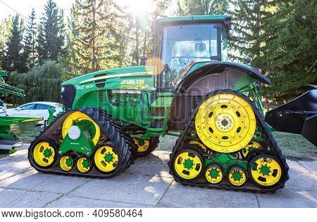 Samara, Russia - September 23, 2017: Rubber Track John Deere 7830 Agricultural Tractor On Display At