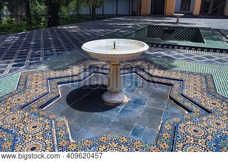 Fez, Morocco - June 02, 2017: Fountain In The Dar Batha. The Former Royal Palace,was Built By The Al