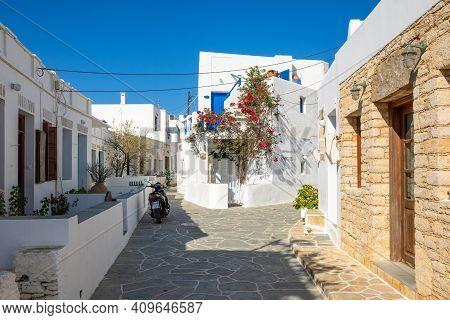 Folegandros, Greece - September 25, 2020: Whitewashed Cycladic Street In Beautiful Chora Town On Fol