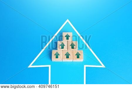 Blocks With Unidirectional Arrows United In A Single Move Arrow. Directing All Efforts And Resources