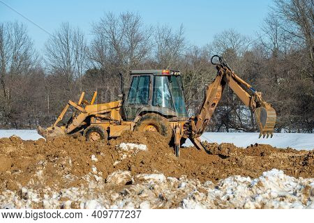 Dripping Excavator Tractor Big Site Landscape Removal