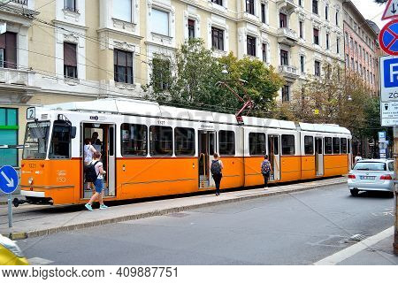 Returnable Three-section Articulated Tram For Public Transport In The Streets Of Budapest, August 20