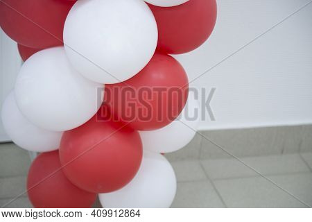 Inflatable Balloons.making Inflatable Balloons For The Holidays.