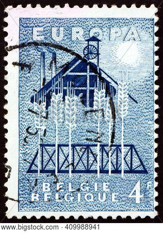 Belgium - Circa 1957: A Stamp Printed In Belgium Dedicated To United Europe, United Europe For Peace