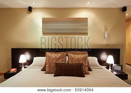Interior design: Big modern elegant Bedroom