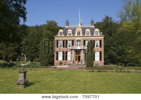 Zypendaal Castle, Front view
