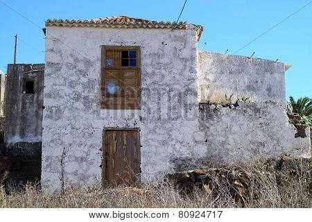 Abandoned houses and buildings