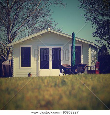 Luxury Summerhouse In Country Garden