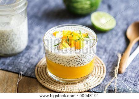 Chia With Mango Pudding