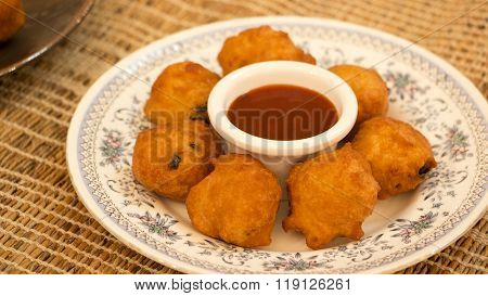 Goli Baje Or Mangalore Bonda Is One Of The Popular Snack In South Canara.