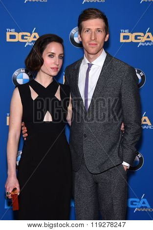 LOS ANGELES - FEB 06:  Zoe Lister-Jones & Daryl Wein  arrives to the Directors Guild Awards 2016  on February 06, 2016 in Century City, CA.