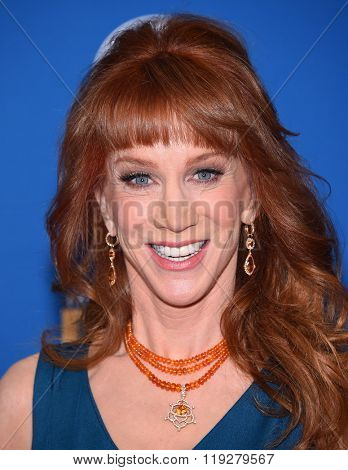 LOS ANGELES - FEB 06:  Kathy Griffin arrives to the Directors Guild Awards 2016  on February 06, 2016 in Century City, CA.